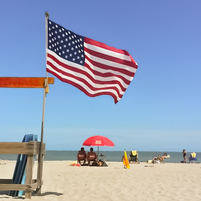 PatrioticBeach_edited